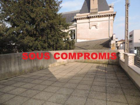 VILLEFRANCHE CENTRE IMMEUBLE DE RAPPORT 409 500€ FAI